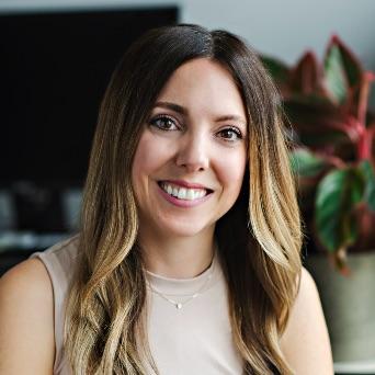 Katie Gillespie - Chef du marketing et des communications